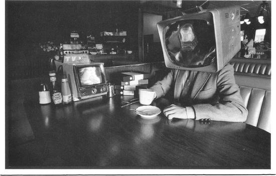 Я работаю в кино, тв, продакшн: tv head, человек-телевизор, курьезы на съемках, смешные истории на тв